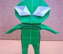 origami alien