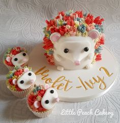 Hedgehog Cupcake educational – Little Peach Cakery Igel Cupcake Tutorial – Kleine Pfirsichkuchen Hedgehog cake (Visited 2 times, 1 visits today) Pretty Cakes, Cute Cakes, Beautiful Cakes, Amazing Cakes, Hedgehog Cupcake, Hedgehog Birthday, Cupcake Cookies, Cupcake Birthday Cakes, Fancy Desserts