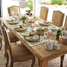 Harvest Dining Table #williamssonoma Great Country look in a table.