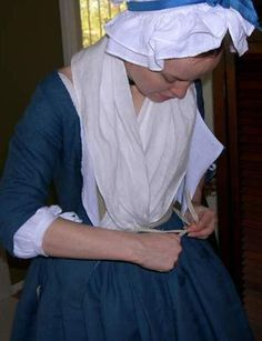 Fitting and Proper Round Gown - How it Works 18th Century Dress, 18th Century Costume, 18th Century Clothing, 18th Century Fashion, Historical Costume, Historical Clothing, Stephanie Jacobs, Corset Costumes, Textiles