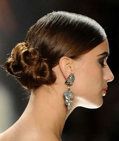With these Elegant Low Side Bun Hairstyles for Weddings most of the beauty is in the imperfections and the hair appear as if it's a better version of messy. Protective Hairstyles, Loose Bun Hairstyles, Everyday Hairstyles, Hairstyles Haircuts, Latest Haircuts, Trendy Haircuts, Wedding Hairstyles For Women, Prom Hair Bun, Loose Buns