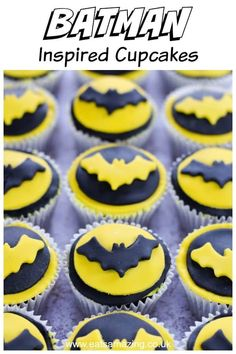 These easy Batman cupcakes make perfect superhero party food for kids Batman Party Foods, Superhero Party Food, Batman Food, Themed Cupcakes, Fun Cupcakes, Cupcake Cakes, Kids Birthday Cupcakes, Birthday Cake, 7th Birthday