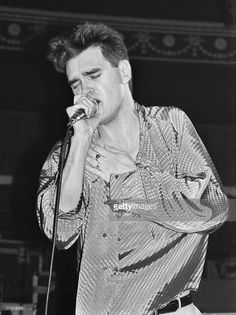 Morrissey performs live on stage with The Smiths at The Royal Albert Hall, London, 05 April 1985.