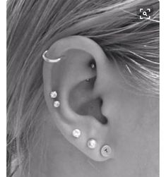 Rook Piercing - Tragus Piercing - Helix Piercing - Cartilage Piercing Ring - Crystal on Endless Heart Hoop - Choose Your Color - Custom Jewelry Ideas Helix Piercings, Piercing Oreille Cartilage, Ear Peircings, Types Of Ear Piercings, Double Cartilage Piercing, Cute Ear Piercings, Multiple Ear Piercings, Body Piercings, Cartilage Earrings