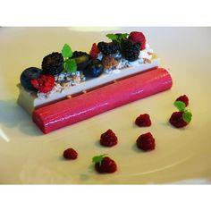 ... dish: English strawberry panna cotta | Panna Cotta, Anglais et Fraises