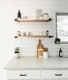 How to Make Open Shelving - A DIY Wood Shelf Tutorial - step by step guide on how to make open shelving from someone who creates shelf brackets, this easy DIY wood shelf tutorial provides useful tips and sources Diy Wooden Shelves, Floating Shelves Kitchen, Oak Shelves, Wooden Diy, Diy Kitchen Shelves, Kitchen Cabinets, Kitchen Organization, Kitchen Storage, Open Shelf Kitchen