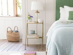 This gorgeous brass number was inspired by our Italian travels. The Scala bedside table is versatile and works a treat in a bedroom,… Wooden Bedside Table, Brass Side Table, Minimalist Room, Minimalist Home Decor, Painted Side Tables, Minimal Bedroom, Image Originale, Bed Sizes, New Room