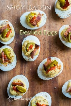 Deviled Eggs Recipe with Bacon, Sriracha, Jalapeño Spicy Deviled Eggs | @bestreciepbox #deviledeggs #sriracha #jalaoeno #bacon