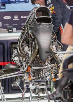 A Honda Formula 1 Engine : EngineeringPorn Formula 1 Car Racing, Planetary Gear, Race Engines, Power Wheels, Michael Schumacher, New Engine, Formula One, Balenciaga City Bag, Karting