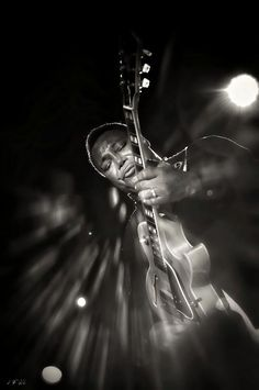George Benson Black And White Photograph by Jean Francois Gil