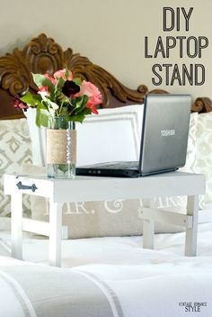 Easy DIY Laptop stand for bed - Ideas of Laptop Stands - The hardware always plays a small part in every project! This time our hammered black pulls were used on this DIY night stand at Vintage Romance Style. Diy Laptop Stand, Laptop Desk For Bed, Laptop Table, Carpentry Projects, Diy Projects, Build Your Own Laptop, Desk Tray, Diy Nightstand, Diy Furniture Plans