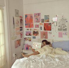 Amazing and Cute Aesthetic Bedroom Design Ideas - Room Dynamic Bedroom Inspo, Bedroom Decor, Bedroom Ideas, Design Bedroom, Bedroom Plants, Bedroom Lighting, Bedroom Themes, Tumblr Bedroom, Uni Room