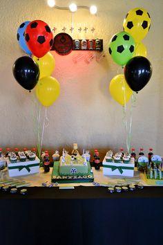 Centro de mesa, globos, temática fútbol