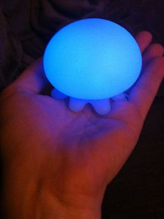 Jellyfish Bath Light: Floats in the tub. Find it here http://www.cb2.com/jelly-fish-bath-light/s27647