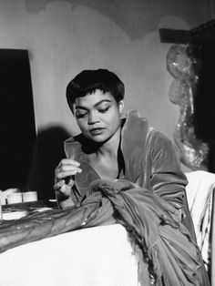 """Eartha Kitt in her dressing room, 1952 """"I've always been multi-cultural myself. I'm not black and I'm not white and I'm not pink and I'm not green. Eartha Kitt has no color, and that is how barriers are broken."""" We Had Faces Then Vintage Black Glamour, Vintage Beauty, Vintage Glam, Classic Hollywood, Old Hollywood, Hollywood Style, Provocateur, Star Wars, African American History"""