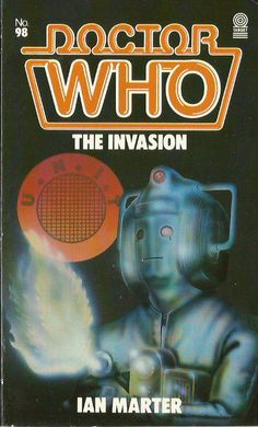 doctor who the invasion Doctor Who Books, Doctor Who Poster, Doctor Who Art, Power Of The Daleks, Dr Book, Cosmic Comics, Second Doctor, Classic Series, Tardis