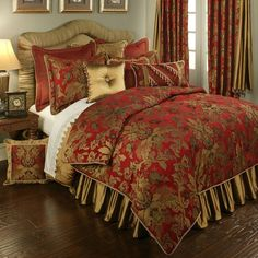 An luxury bedding collection in red and gold, the Verona Red bed set will transform your bedroom into an elegant, opulent and luxurious getaway.