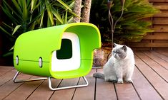 Oh my goodness! What a clever outdoor cat house design! Called BLINK, this outdoor cat shelter was designed by Ann to fill a design need that she saw. Read more about the BLINK outdoor cat shelter at the HAUSPANTHER.com design blog.