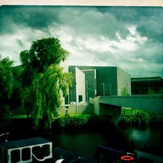 The Magnificent Hepworth Gallery, Wakefield. Viva art in Yorkshire.