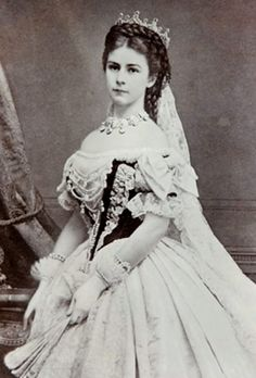 Elisabeth Her Royal Highness Duchess in Bavaria Her Imperial and Royal Apostolic Majesty The Empress of Austria Queen of Hungary 24 December 1837 – 10 September 18 Victorian Women, Victorian Fashion, Vintage Photographs, Vintage Photos, Empress Sissi, Royal Tiaras, Jolie Photo, Royal Weddings, Women In History
