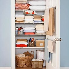 "still love this linen closet.just wish my linen ""closet"" was an actual closet with one door and not 3 separate cabinets.Use a towel rod on the inside of the linen closet for holding blankets. Home Staging, Linen Closet Organization, Organization Hacks, Closet Storage, Organizing Ideas, Organising, Bathroom Organization, Bathroom Storage, Smart Storage"