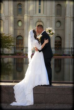 Wedding pictures in front of the Salt Lake City Church Of Jesus Christ Of Latter-Day Saints Temple