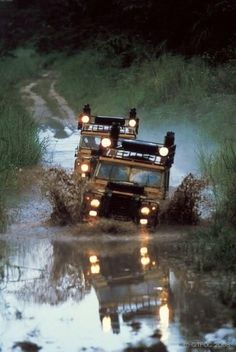 Unless a Defender is 25 years or older they can't be transported into the US, however, in 2017 we will start getting the in! ~D (Land Rover all terrain off road) Offroad, Carros Suv, Automobile, Land Rover Defender 110, Defender 90, Tata Motors, Out Of Africa, Four Wheel Drive, African Safari