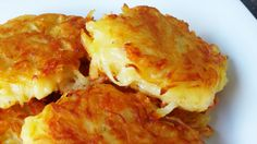 These crispy cheesy hash browns are the direct result of a couple of factors: I couldn't be bothered going grocery shopping. My mum has been feeling unwell so I wanted to make her something s… Potato Dishes, Potato Recipes, Banana Recipes, Milk Recipes, Veggie Dishes, Vegetable Recipes, Brunch Recipes, Breakfast Recipes, Leftovers Recipes