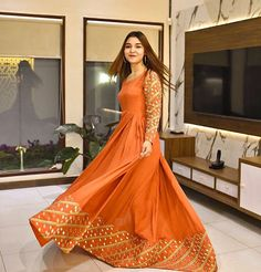Indian Designer Dresses for wedding Asian Wedding Dress Pakistani, Pakistani Fancy Dresses, Pakistani Fashion Party Wear, Wedding Dresses For Girls, Pakistani Dress Design, Pakistani Outfits, Indian Dresses, Girls Dresses, Fancy Dress Design
