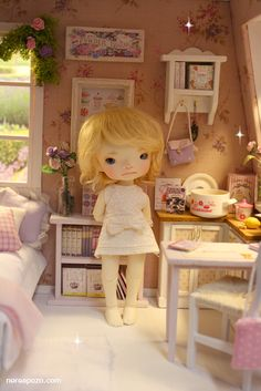 ♥ NEW DIORAMA PINK and LILAC ATTIC BedRoom ♥     For around 16 cm doll like Lati yellow, Middie Blythe, Puki fee , odeco and nikki , licca...