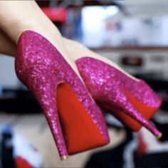We're excited to host The Ultimate Girls Night Out on May 22nd! They're going to be giving away a fabulous pair of #shoes! Check out the Facebook page here: http://on.fb.me/P5IWH1