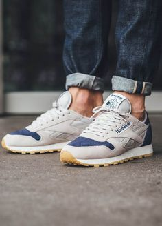 Reebok Classic Leather SM in 'Sand & Blue Ink'