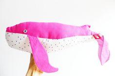 wieloryb różowy w gwiazdki w The ADVENTURE Begins na DaWanda.com #niezchinzpasji#