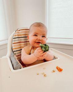 "Aspyn Ovard Ferris on Instagram: ""Covey tried guacamole and broccoli for dinner tonight 🥑🥦"" Cute Funny Babies, Cute Baby Boy, Cute Kids, Baby Kids, Funny Baby Pictures, Baby Photos, Baby Memes, Baby Humor, Bitty Baby"