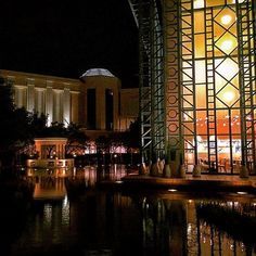 Instagram【halconnen】さんの写真をピンしています。 《🚶🏻🚶🏻🚶🏻… ・  #walk #instahub #photoftheday #webstagram #instagramhub #instadayly #instagood #pictureoftheday  #japan  #landscape #ig_japan #gf_japan #ig_nihon #icu_japan #ig_japanese #loves_nippon #wu_japan #IGersjp #wow_nihon  #jp_gallery #building #structure #architecture #nightview #夜景 #reflection #reflections》