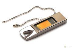 Флэш накопитель - запоминающее устройство, использующее в качестве носителя флеш-память, и подключаемое к компьютеру или иному считывающему устройству по интерфейсу USB.