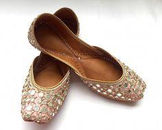 Gulaabi Sitara Shoes by Enhara - Pink Hand Embroidered Indian Bridal Shoes/Bridal Ballet Flats/Wedding Shoes/Designer Women Shoes by Enhara on Etsy https://www.etsy.com/no-en/listing/483412195/gulaabi-sitara-shoes-by-enhara-pink-hand
