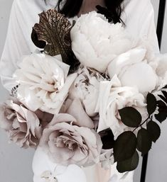 Cloud-like bouquets with blown roses and hues of ivory and dusty rose. Wild Flowers, Beautiful Flowers, Summer Flowers, Cut Flowers, Colorful Flowers, Floral Wedding, Wedding Flowers, Red Roses, White Roses