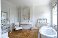 Google Image Result for http://3.bp.blogspot.com/_k9UWPIO2H3g/TFVFSmvF6iI/AAAAAAAACbM/BWkpOYsUzhw/s1600/bathroom-french-white.jpg