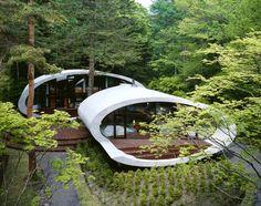 House around trees by Kataro IDE, Japan