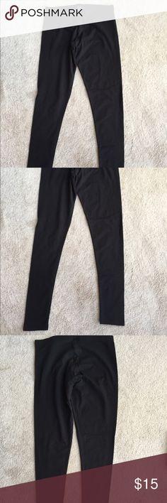 NWOT BASIC BLACK VS LEGGING NWOT VS LEGGING.  BASIC BLACK. THEY ARE ANKLE LENGHT Victoria's Secret Pants Leggings