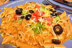 Easy Crock Pot Enchilada Pasta