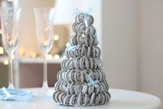 Christmas tree made of a cone and glued macaroni