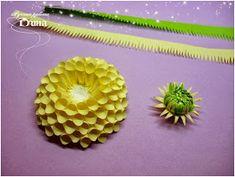 Dean ART-hobby: How do I make dahlias. Quilling Flowers, Quilling Designs, Paper Quilling, Paper Flowers, Paper Art, Paper Crafts, Quilling Techniques, Clay Tutorials, Flower Tutorial