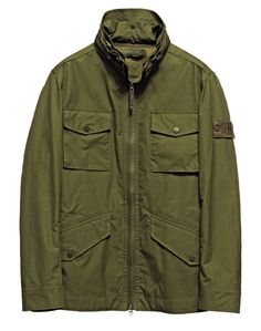 43010 GHOST PIECE – WEATHER PROOF COTTON  Ghost garments, which are derived from the concept of camouflage, are total monochromatic.  Even the Stone Island badge has been created in a special mono-chromatic version to blend with the garment.