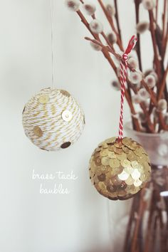 Isn't it strange how something so basic as brass tacks can make something look so nice :) European brass tacks are different though; they're not flat, but with a rounded head :( ~Serena~ DIY brass tack baubles Diy Christmas Baubles, Noel Christmas, Diy Christmas Ornaments, Holiday Crafts, Holiday Fun, Christmas Decorations, Ornaments Ideas, Homemade Ornaments, Ball Ornaments