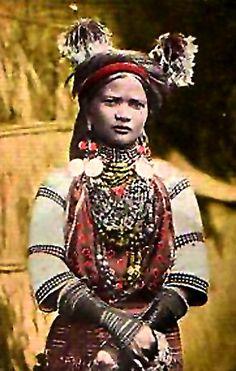 Kalinga woman with heirloom beads