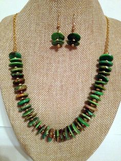 Green howlite  turquoise beaded necklace with matching earrings.