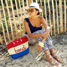 The beautiful @nicolebernardes with our #Bondi tote ❤️