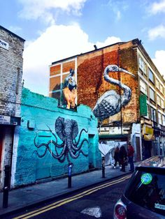 These days Hanbury St is something of a mecca for street art.  The 30-foot bird is by Belgian street artist Roa.  You can find out more about Roa at the following link http://www.streetartbio.com/#!roa/c1kgk